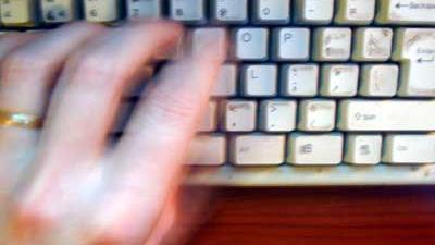 Foto van toetsenbord en hand | Archief EHF
