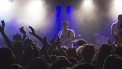 RIVM adviseert over maximaal geluidsniveau bij muziekactiviteiten