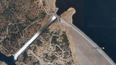 188.000 Californiërs geëvacueerd om dam die op instorten staat
