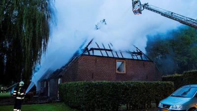 Foto brand boerdeij Den Dungen | Persburo Sander van Gils | www.persburausandervangils.nl