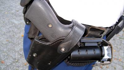 Agent aangehouden voor onder andere verduisteren van vuurwapens