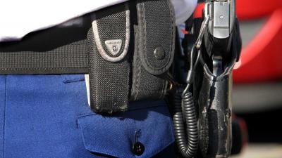 Agente mocht op verdachte met bijltje schieten