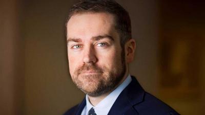 Woedende inwoners Drentse Oranje belagen staatssecretaris Dijkhoff