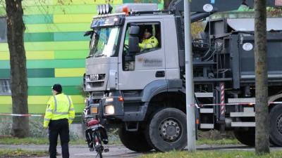 Vrouw op fiets overleden bij aanrijding in Amsterdam