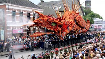 'Gevaarlijk transport' van buurtschap Tiggelaar wint corso Zundert