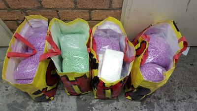Grote hoeveelheden harddrugs aangetroffen in onderzoek naar online handel