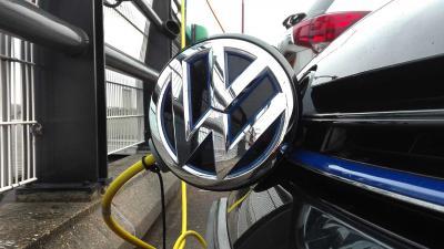 elektrisch-auto-vw-laden