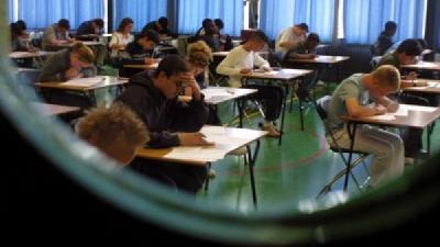 Foto van leerlingen tijdens examen | EHF