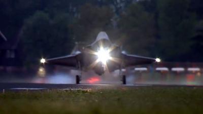 F-35 jachttoestellen geland op vliegbasis Leeuwarden