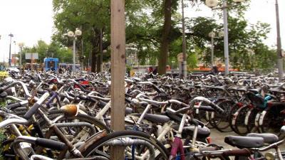 Man (76) in ongelijk gesteld om eis aanpak 'Amsterdamse fietsjungle'
