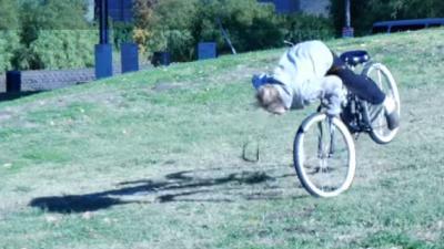 Niet een lokfiets tegen fietsendieven, maar een kabel aan je fiets