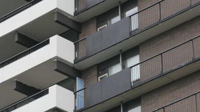 Strobalen rond Beneluxflat vanwege balkons