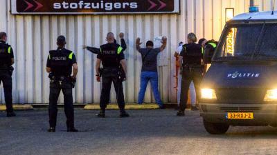 Fouilleer- en controleactie in havengebied Schiedam