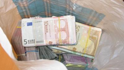foto van geld | Kmar