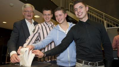 Burgemeester stemt met jarige 18-jarigen   Gemeente Haarlemmermeer