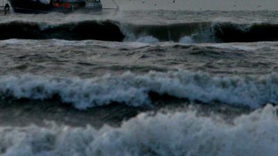 golven-vissersboot
