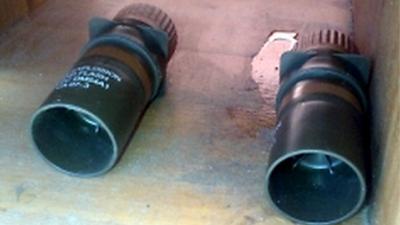 Foto van de twee granaten | Politie/EOD