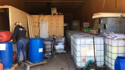 Grote opslagplaatsen voor grondstoffen harddrugs ontdekt door politie