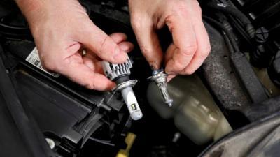 ANWB bepleit vervanging halogeen door LED-lampen bij auto's