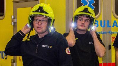 Brandweer Vlaardingen verder met gele helmen met led-verlichting