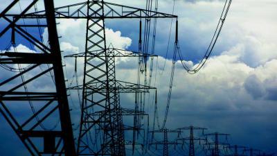 hoogspanningsmasten-elektriciteit-energiehub