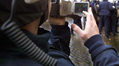 Hooligans zorgen voor gespannen sfeer bij herdenking Brussel