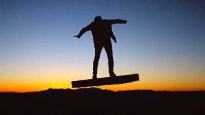 De eerste echt zwevende hooverboard is te koop