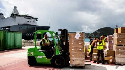 Miljoen kilo aan hulpgoederen gelost op kade in Sint Maarten