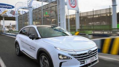 Hyundai presenteert 's werelds eerste zelfrijdende waterstofauto