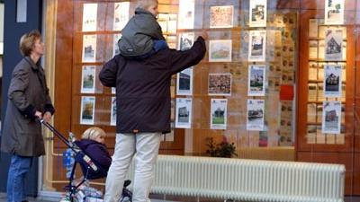 Foto van makelaar woningen huizen | Archief EHF