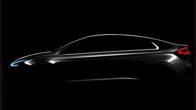 Hyundai IONIQ is eerste  compacte auto met 3 verschillende elektrische aandrijflijnen