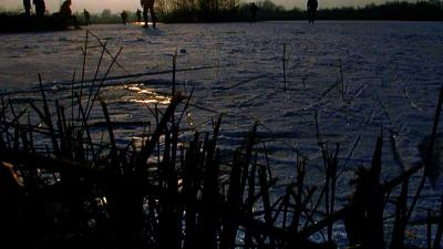 Friesland stelt vaarverbod in voor ijsaangroei, zou het dan toch.....