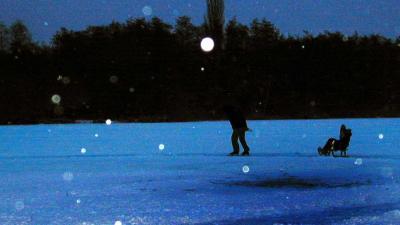 Opa (79) redt door ijs gezakt kleinkind (8) maar komt zelf om