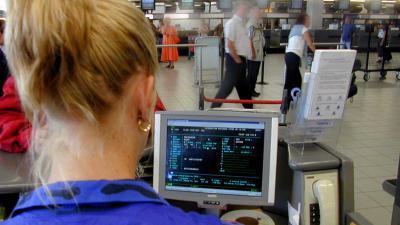 VenJ innovatieprijs voor plan slimmere grensbewaking Schiphol