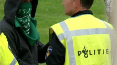 Politie pakt paspoorten 'jihadgezinnen' af in Huizen