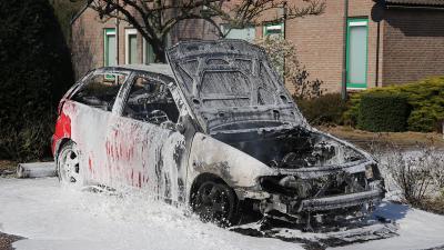Auto uitgebrand aan De Bierwagen in Sint-Michielsgestel