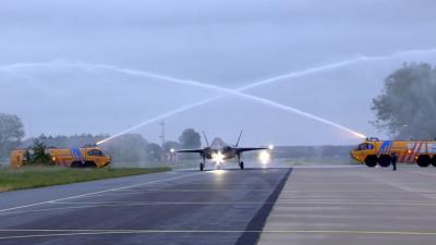 F-35 jachttoestellen na uurtje vertraging geland op vliegbasis Leeuwarden