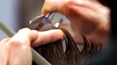 'Manische kapper' aangehouden na afknippen haar bij jonge vrouwen