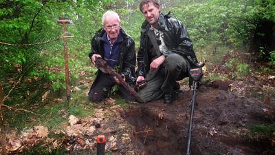 Foto van de opgegraven karabijn   Staatsbosbeheer