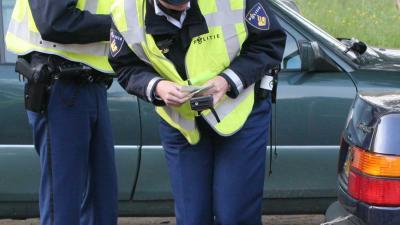 Alerte buurtbewoner maakt foto van auto inbraakverdachte