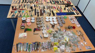Steekwapens en drugs in beslag genomen op kermis
