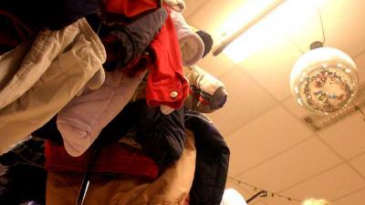 Ruim 9.000 Amsterdamse arme kinderen krijgen kledingbonnen