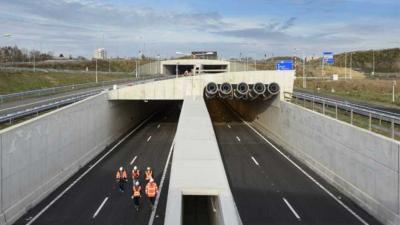 Gedeelte A2-tunnel Maastricht tijdelijk dicht vanwege haperend C2000