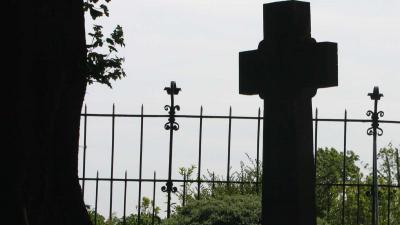 Onderzoekers identificeren bijna 800 kinderlijken uit 'achtertuin' Iers opvanghuis