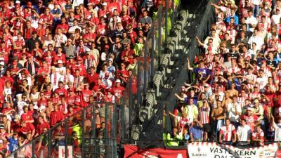 Foto van de Kuip stadion supporters | Archief EHF