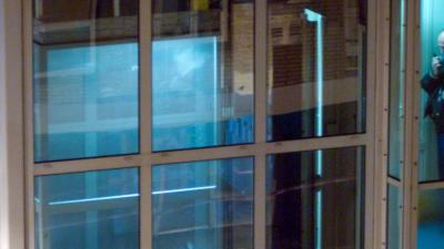 Vrouw overleden na beknelling in lift