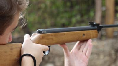 Verdachte vervolgd voor schieten met luchtbuks