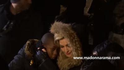 Madonna geeft varrassingsconcert in Parijs
