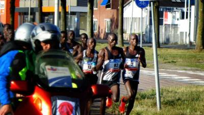 Zonnige Marathon van Amsterdam van start gegaan