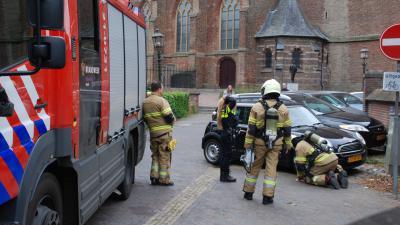 Brandweer onderzoekt autobrand